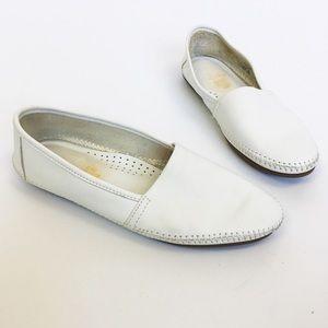 Minnetonka white leather loafers 8